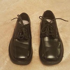 Boys size 11.5 dress shoes